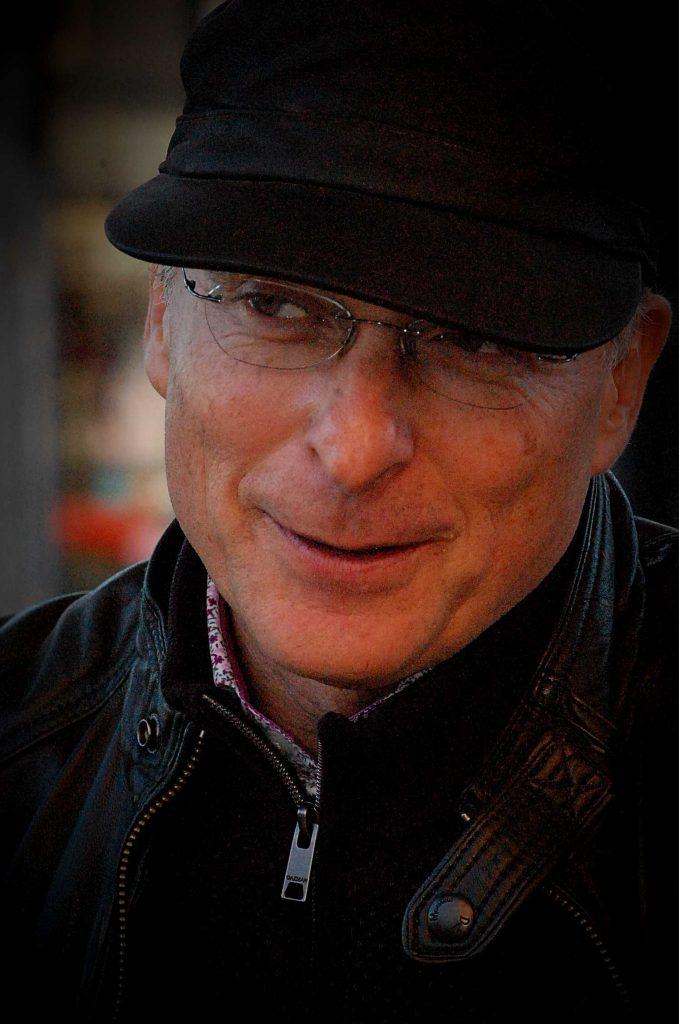 Owen Thomas - Writer - Speaker - Producer